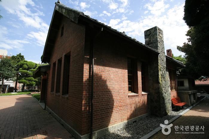 Мемориальный холл (임시수도기념관)3