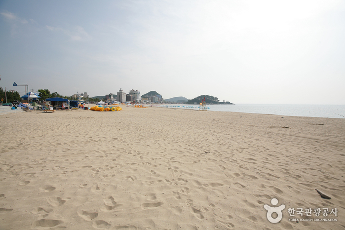 Songjeong Beach ()