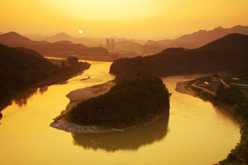 Falaise en forme de péninsule coréenne (Village Seonam)  (선암마을 한반도지형)