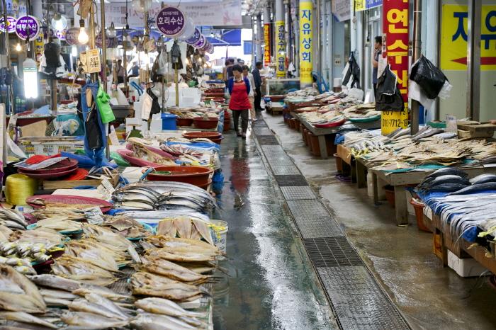 싱싱한 해산물이 가득한 동부시장