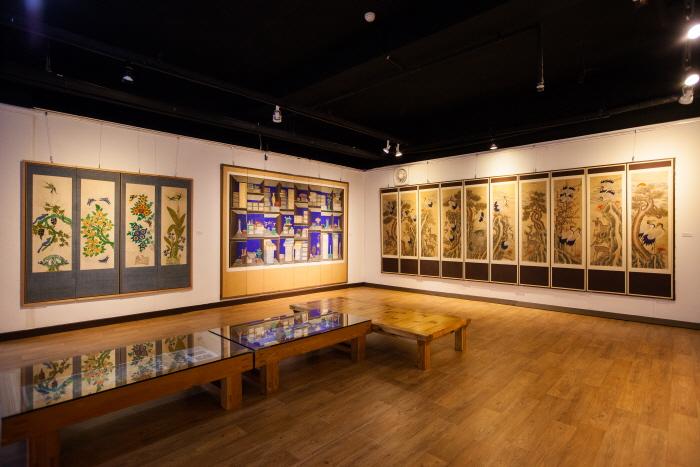 嘉会民画博物馆(가회민화박물관)
