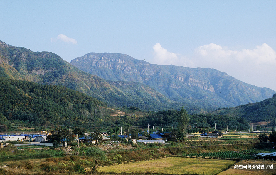 Jeoksangsan Mountain (적상산)