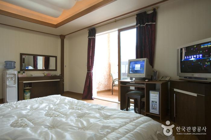 쾌적하고 안락한 잠자리를 제공하는 비즈니스호텔