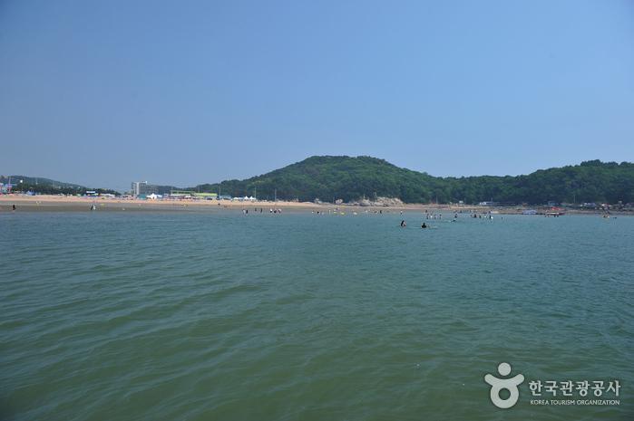 乙旺里海水浴場(을왕리해수욕장)
