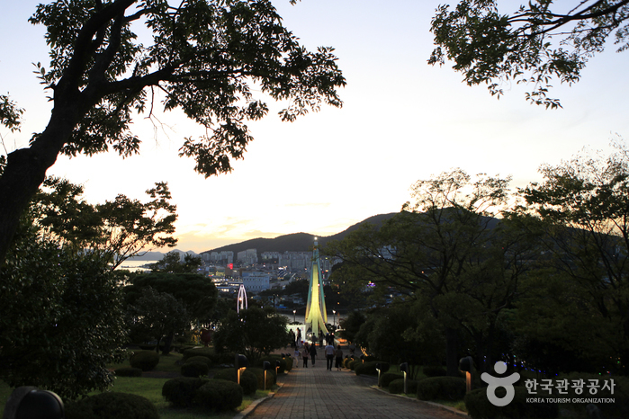 突山公園(돌산공원)