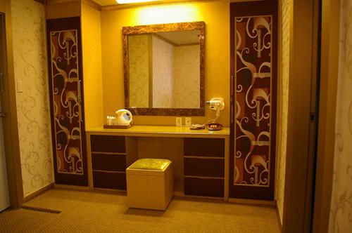 Songtan Tourist Hotel (송탄관광호텔)