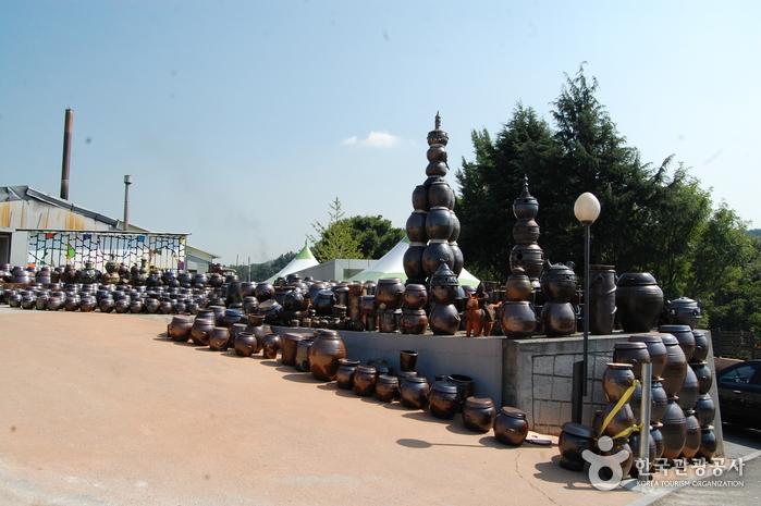 Деревня гончарных изделий на горе Вегосан (외고산옹기마을)9