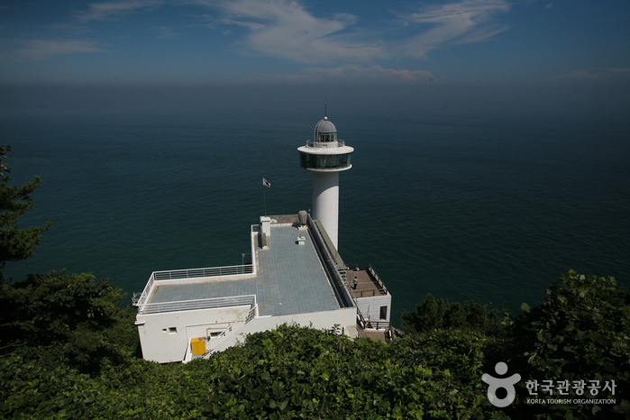 Yeongdo Lighthouse (영도 등대)