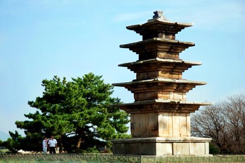 Wanggung Five-story Stone Pagoda (익산 왕궁리 오층석탑)