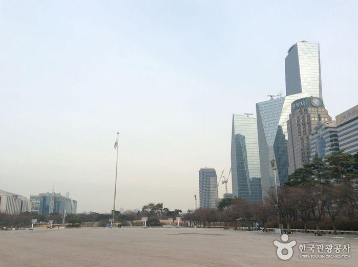 Yeouido Park (여의도 공원)
