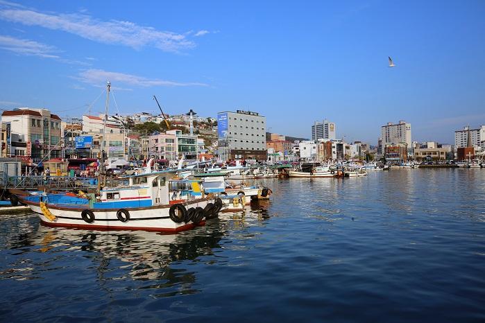 파란 바다가 인상적인 한국의 나폴리