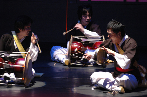 Pan, Kim Duk-soo's Traditional Yeonhui Performance