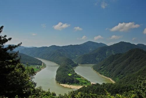Daecheongho Obaengni (500-ri) Road (대청호오백리길)