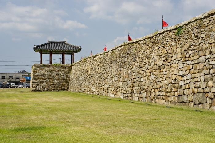 조선시대 읍성의 모습을 온전히 간직한 해미읍성