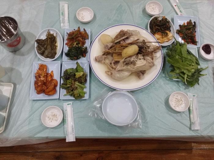 방태산황토펜션식당