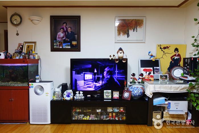 Gyodae Guesthouse [Korea Quality] / 교대게스트하우스 [한국관광 품질인증]