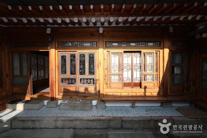 서울_누리 한옥게스트하우스_집전체1