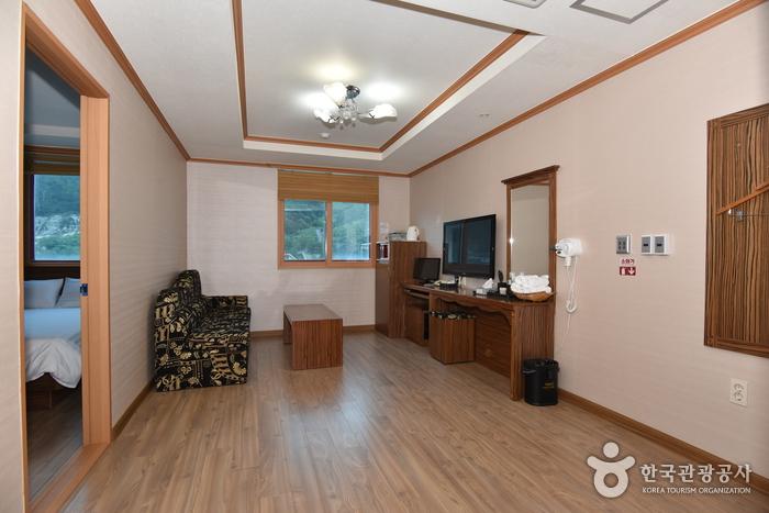 羅老ビーチホテル [韓国観光品質認証] (나로비치호텔 [한국관광 품질인증/Korea Quality])