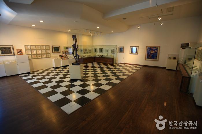 Художественный музей Чон Хёк Лима (전혁림 미술관)7