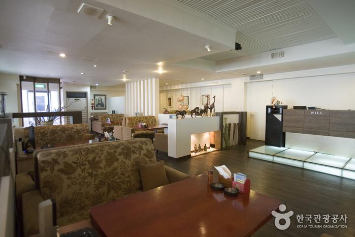 BENIKEA Jeonju Hansung Tourist Hotel (베니키아 전주한성호텔)