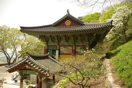 Jeokseoksa Temple (적석사)