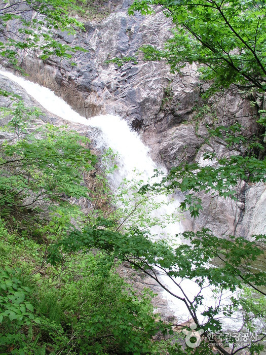Biryong-Wasserfall (비룡폭포)