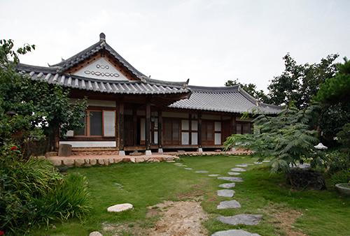 Hanoka Pension (고택 한옥에서)