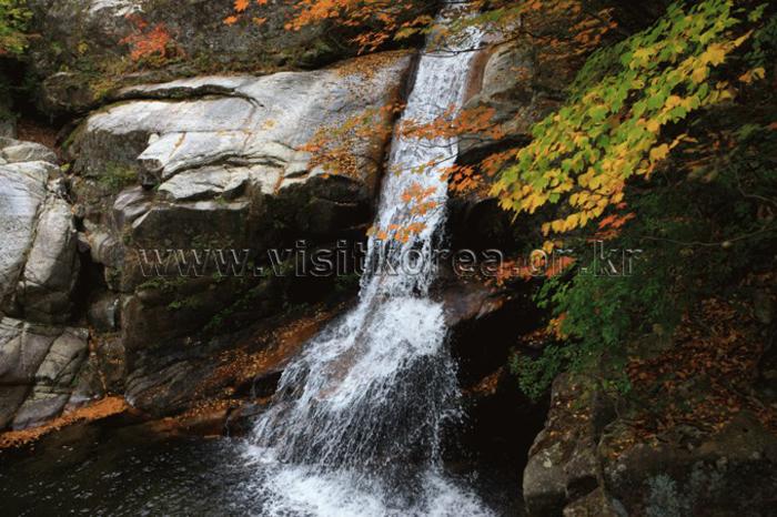 Guryongpokpo Falls (Sogeumgang River) (구룡폭포 (소금강))