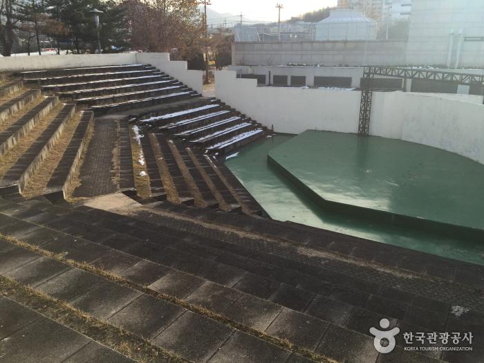 雉岳芸術館(치악예술관)