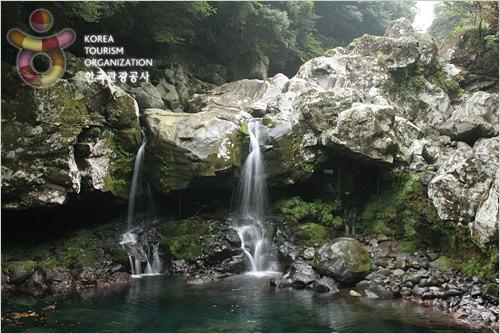 천혜의 자연환경을 자랑하는 관광 명소