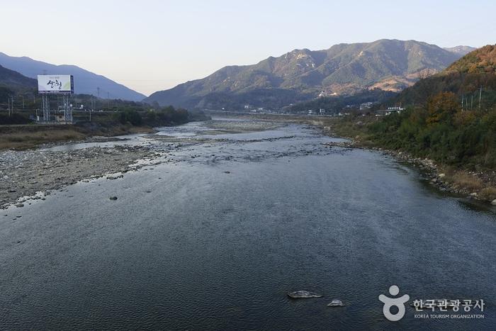 鏡湖江(경호강)