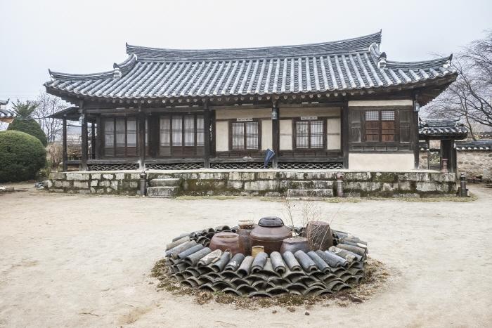 조선 후기 양반 집의 모습을 간직한 봉화 만산고택