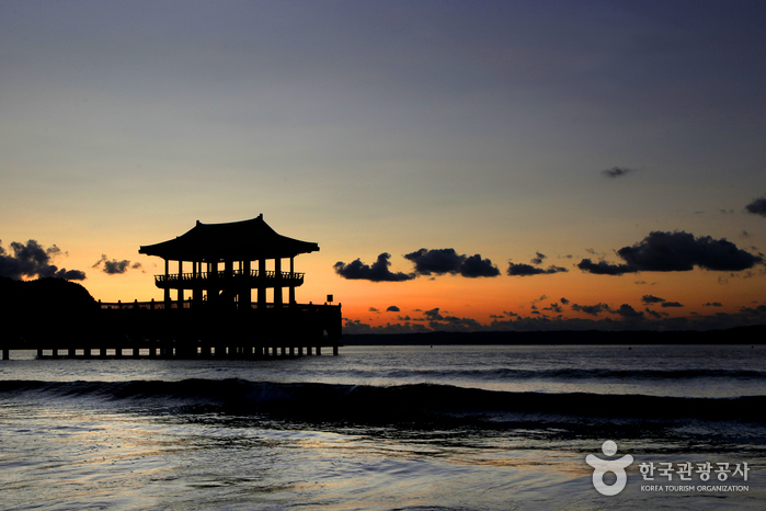 Strand Yeongildae (영일대해수욕장)
