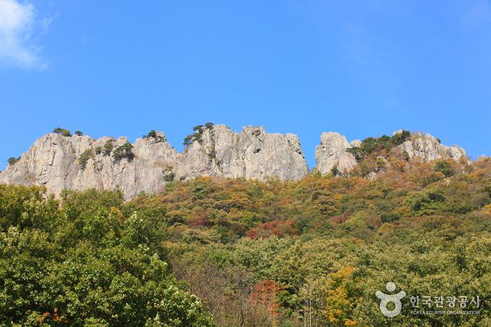 Seoraebong Peak (서래봉...
