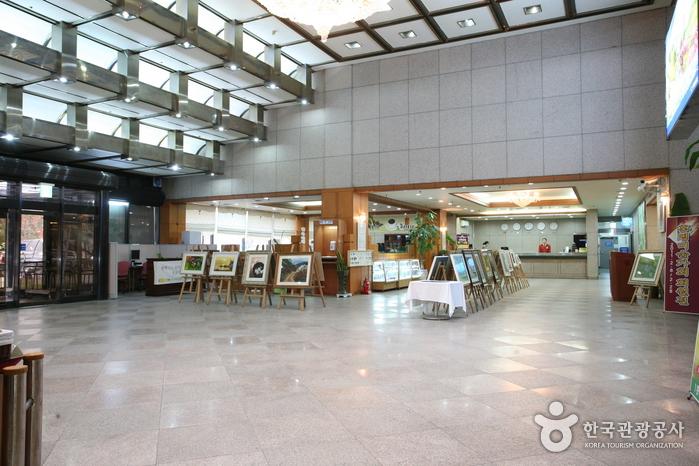 水安堡常绿饭店(수안보상록호텔)
