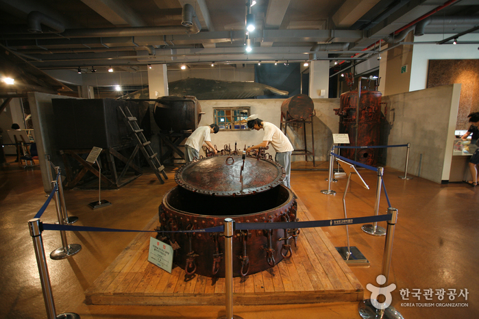 Jangsaengpo Whale Museum ( )