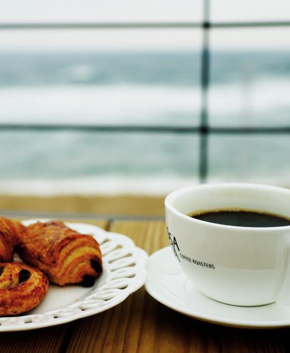 바다에 커피향이 은은하니 내 마음은 두근두근