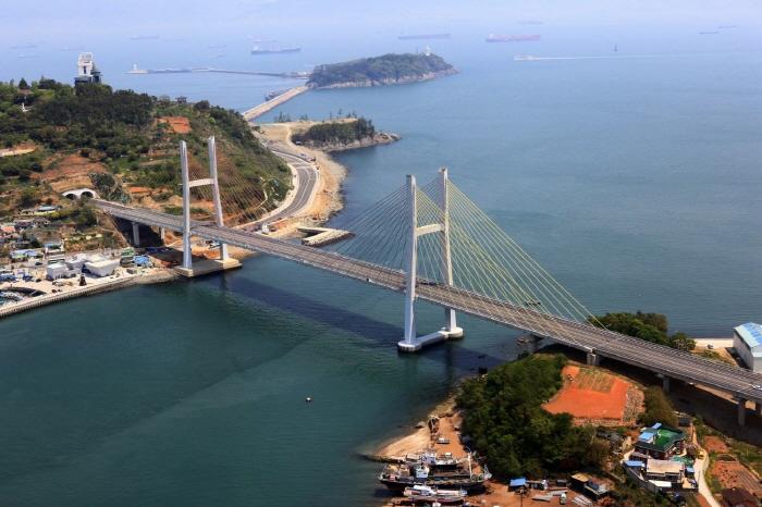 亀甲船大橋(거북선대교)