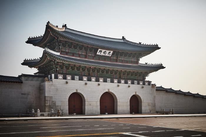 Porte Gwanghwamun (광화문)