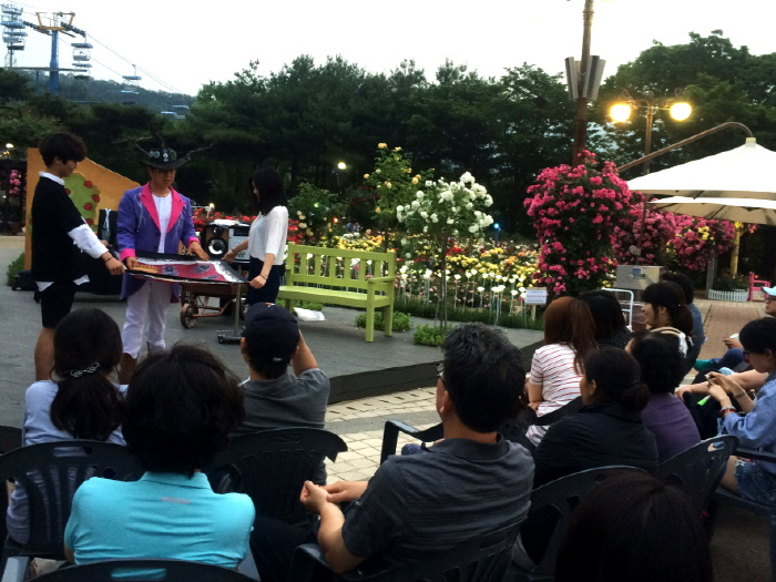Rosenfestival im Seoul Grand Park (서울대공원 장미원축제)