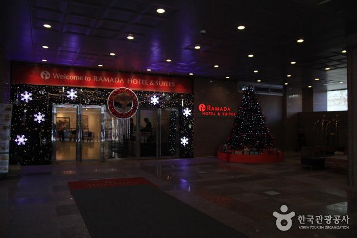 拉马达酒店 & 首尔中心国际(라마다 호텔 & 스위트 서울 센트럴)