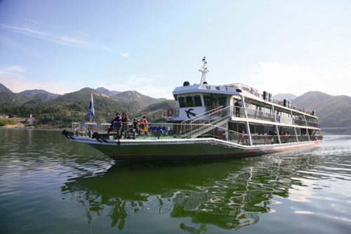 Cheongpung Lake Pleasure Boat (청풍호 유람선)