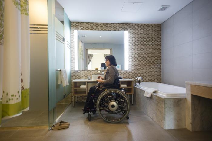 곤지암리조트의 장애인 객실(욕실)