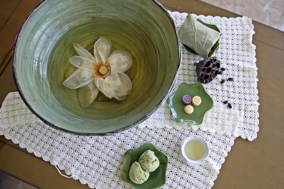 연체험관의 맛있는 삼총사, 연꽃차와 연잎밥, 연아이스크림
