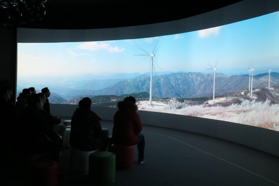 Ultra Wide Vision으로 평창동계올림픽 홍보영상 시청