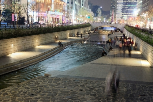 Cheonggyecheon Stream ()