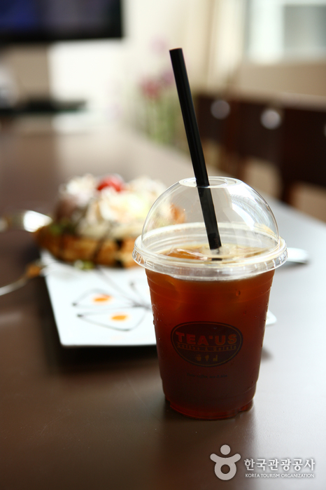 Café TEA'US Myeongdong 1st Branch