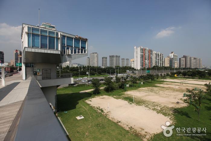 汉江市民公园二村地区(二村汉江公园)<br>한강시민공원 이촌지구(이촌한강공원)
