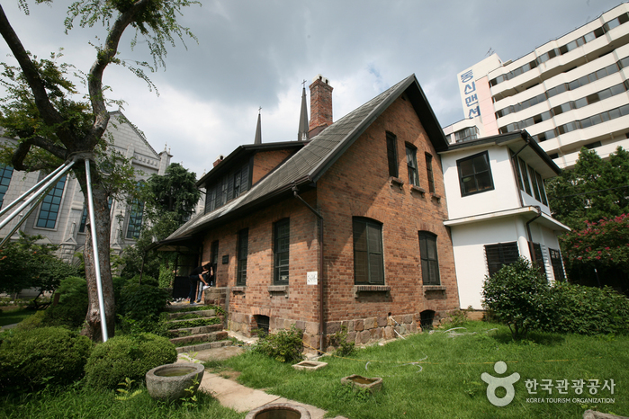 Haus des Missionars Chamness (선교사챔니스주택)