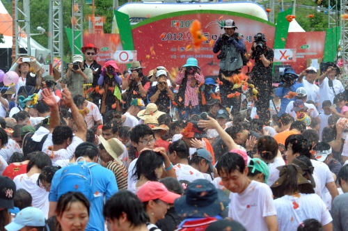 Hwacheon Tomato Festival (화천토마토축제)
